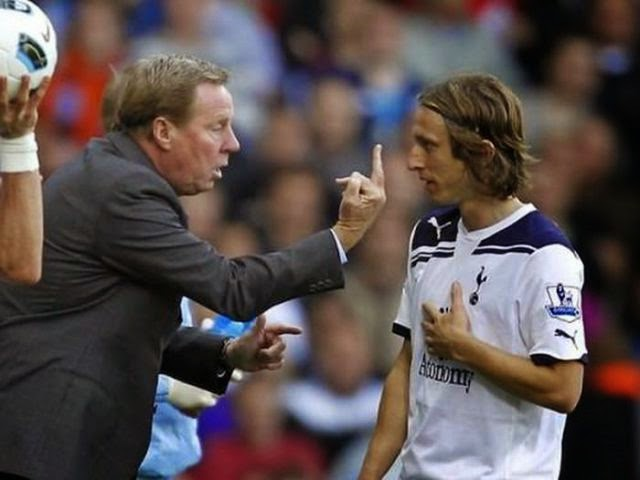 smešne slike: srednji prst za fudbalera Luka Modrić