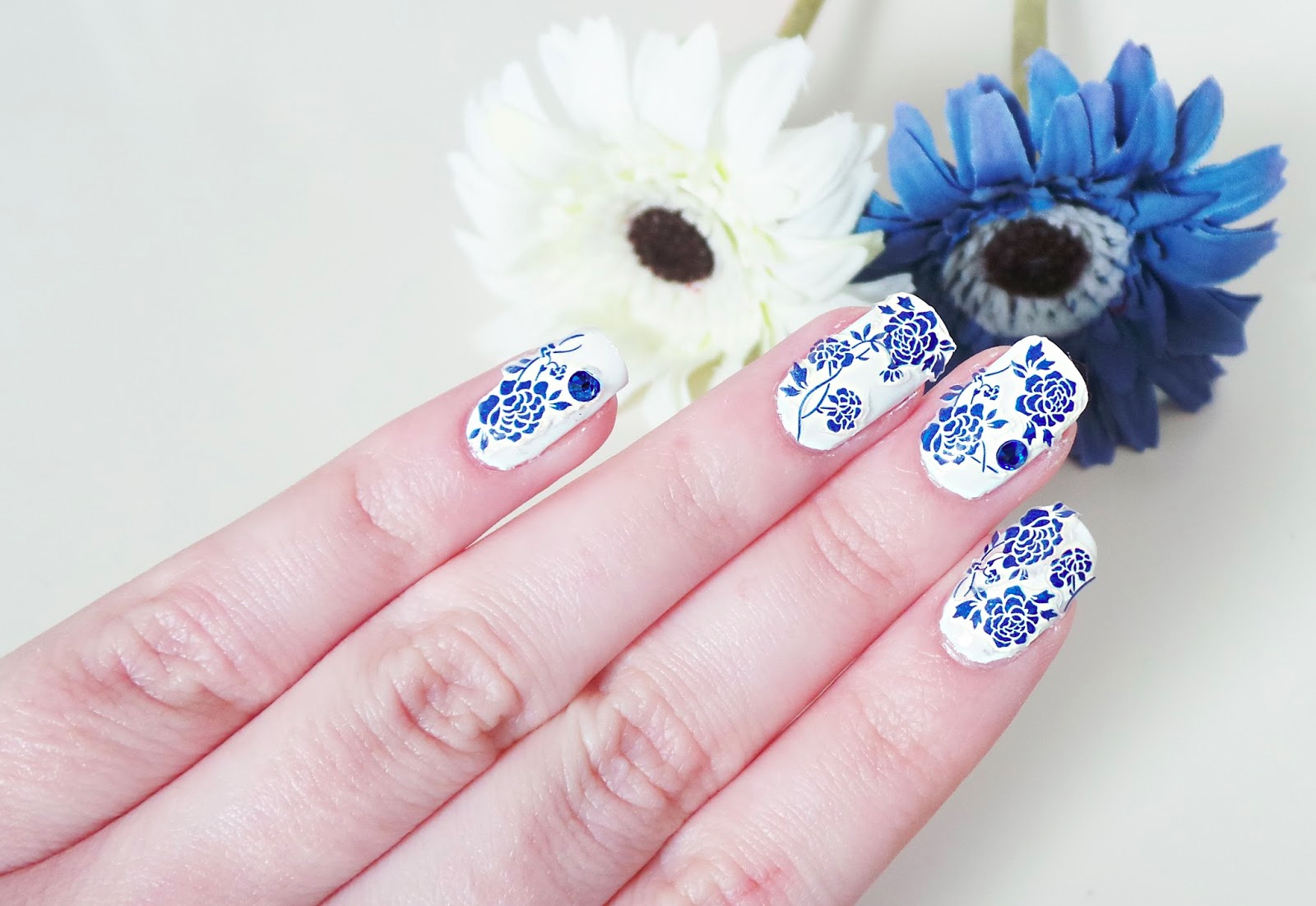 3D Chinese Painting Blue Flower Nail Stickers(E141) from Born Pretty Store, nail art, nail designs, nail stickers, NOTD, nail art blog, nail blogger, bblogger, beauty blogger, born pretty store blog review,