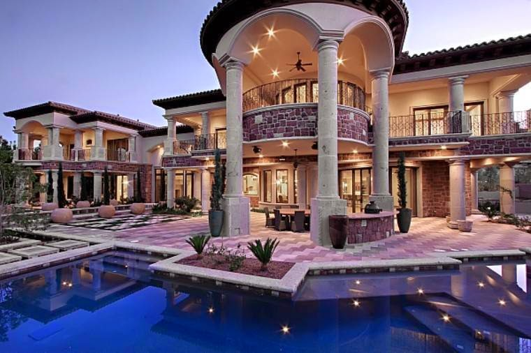 casino royale mansion house