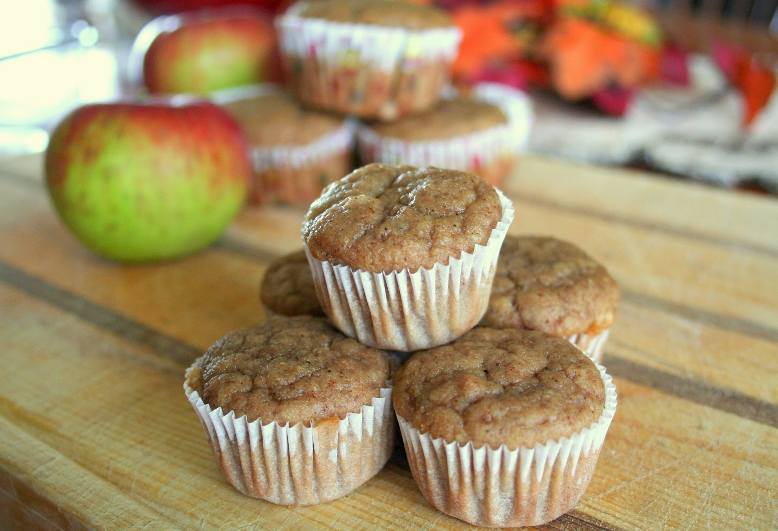 The Healthy Happy Wife: Applesauce Muffins (Dairy, Gluten and Refined ...
