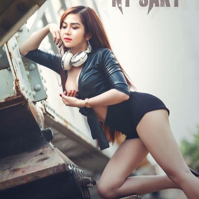 Ảnh gái xinh Huỳnh Kiều Ni nữ DJ 9x sài thành 11