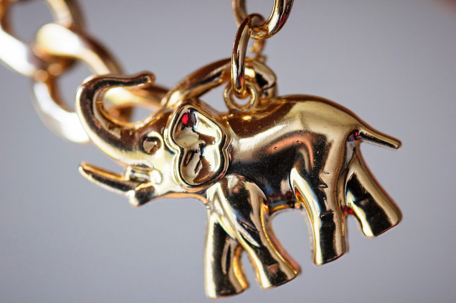 GOLD ELEPHANT BRACELET PRIZMAHFASHION