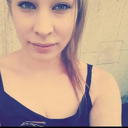LAURA, 25.