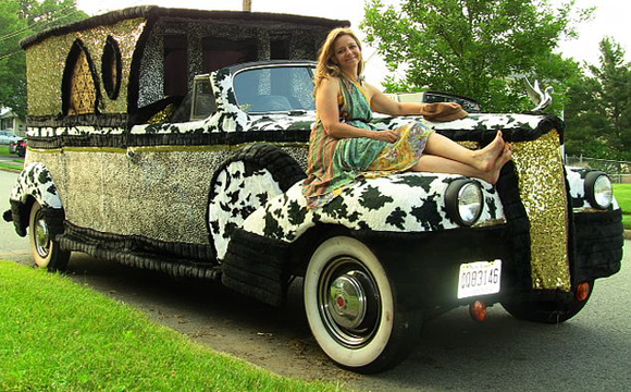 Artist LISA INGRAM with Hoop 1941 PACKARD