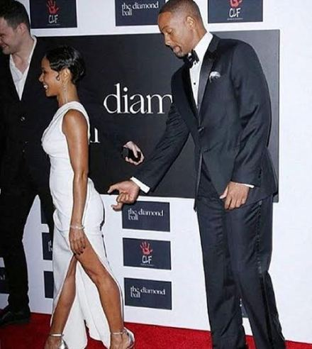 Photo: Will Smith spotted goofing around behind wife, Jada Pinkett