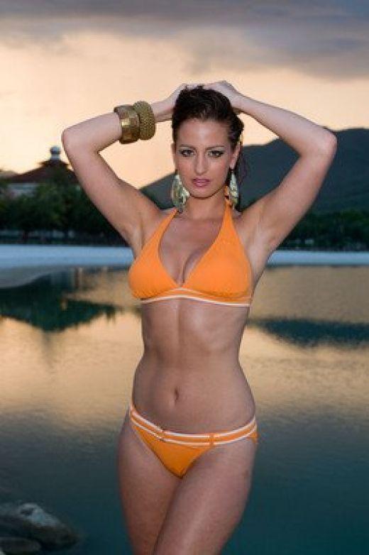 zarine khan hot wallpaper. Zarine Khan in Hot Bikini