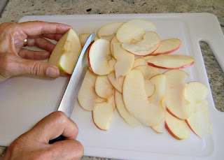 Slicing the apples for apple rose dessert