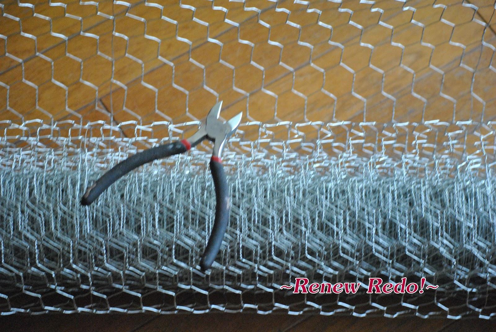 ReNew ReDo!: Decking The Halls With.... Chicken Wire!