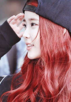 IU Lee Jieun Cute Hat Red Hair