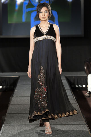 Black Chiffon Dress on Black Chiffon Pakistani Party Dress With Embroidery