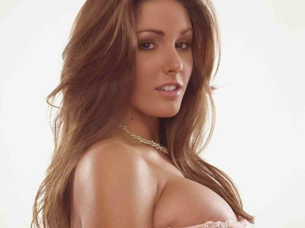 Lucy Pinder hot photo 005