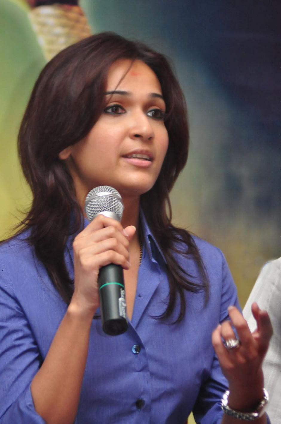 Latest Photos Of Actress Reshmi Menon At Kirumi Movie Audio Soundarya rajinikanth baby photos