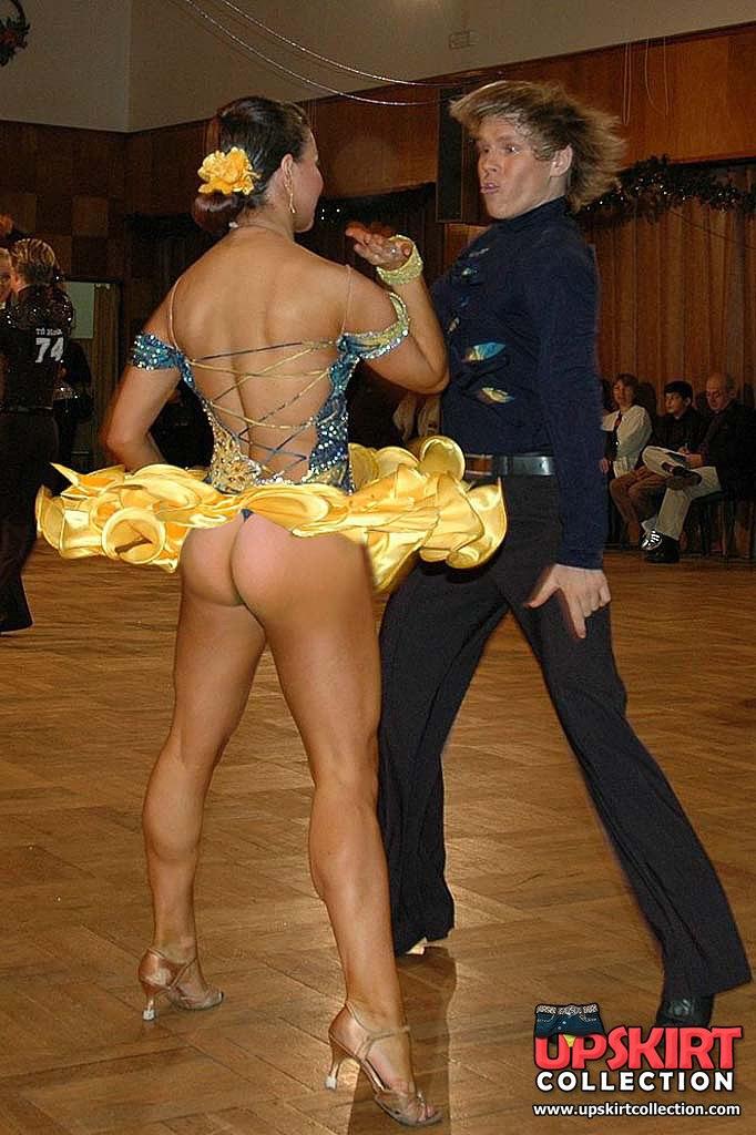 Эрофото танго без трусов