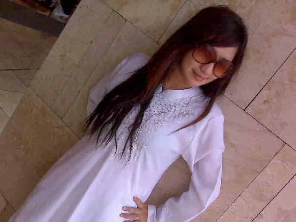 Wenny, Gadis Montok Berjilbab Mantan Foto Skandal Model Dewasa (HOT)