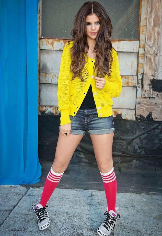 Selena gomez foto para adidas parejas disparejas for Noticias farandula argentina hoy