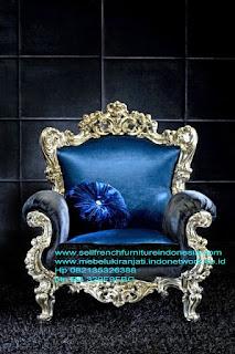 Mebel ukir jati jepara,Sofa ukir Racoco silver,Sofa ukir jepara Jual furniture mebel jepara sofa tamu klasik sofa tamu jati sofa tamu antik sofa tamu jepara sofa tamu cat duco jepara mebel jati ukir jepara code SFTM-22093