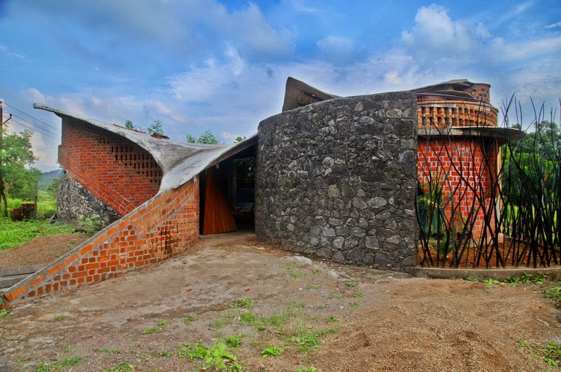 Eclectitude organic architecture in india for I studio architecture