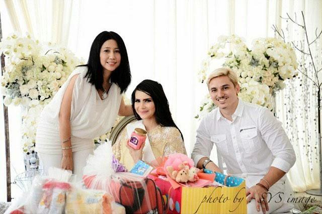 Hiburan Foto Baby Shower Rozita Che Wan Meriah