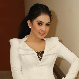 Semua Karena Cinta Syahrini