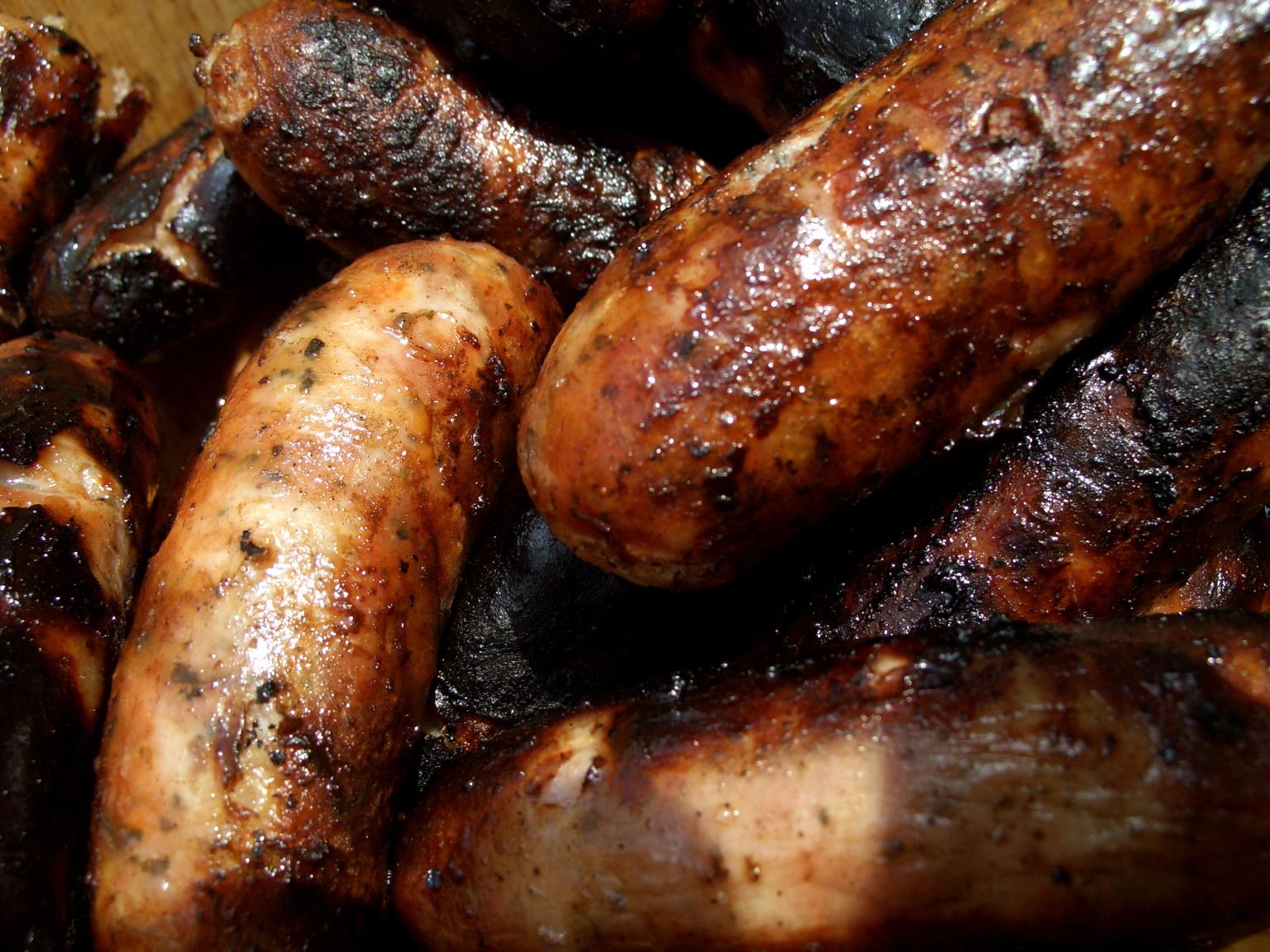 http://3.bp.blogspot.com/-lsikshUMF2I/TofO1zAKBBI/AAAAAAAABek/TjATlSPTPsI/s1600/Grilled_sausages.jpg