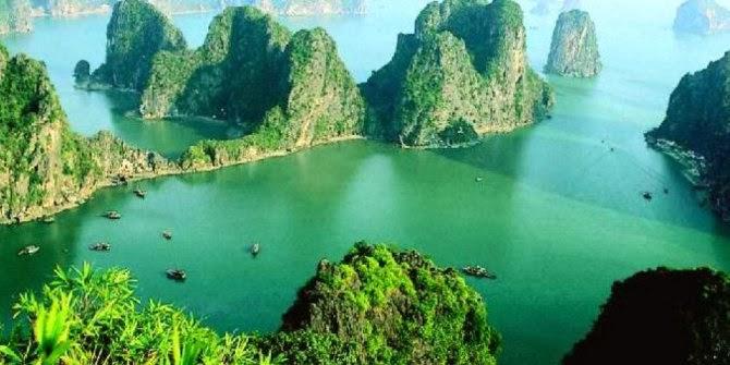 Teluk Halong, Vietnam
