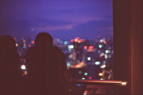 http://weheartit.com/entry/8268905/search?context_type=search&context_user=MaryyMur&page=4&query=girl+boy+window+night