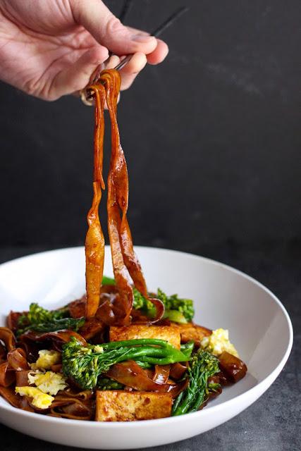 Vegetarian Pad See Ew | Club Narwhal