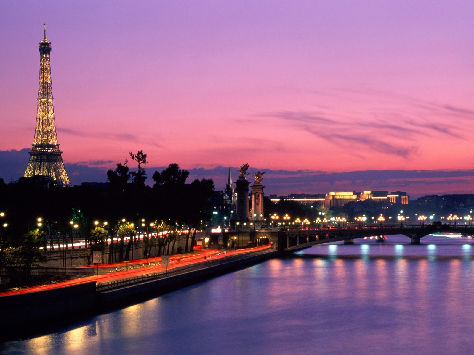 http://3.bp.blogspot.com/-ltAEztpVLPA/TpPrHMdpyvI/AAAAAAAAATI/cLIbpmq41oA/s1600/Paris.jpg