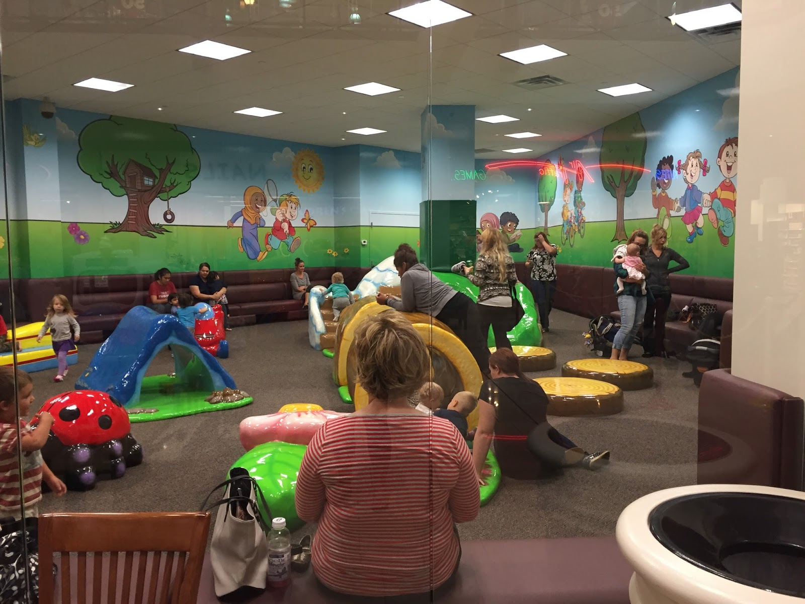 Minnesota baby new indoor play area at eden prairie center for Baby play centre
