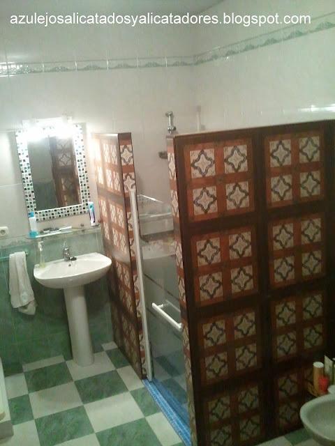 Azulejos alicatados y alicatadores ducha adaptada a - Cambiar azulejos ...