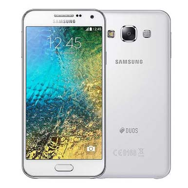 Ponsel Android Samsung Galaxy E5