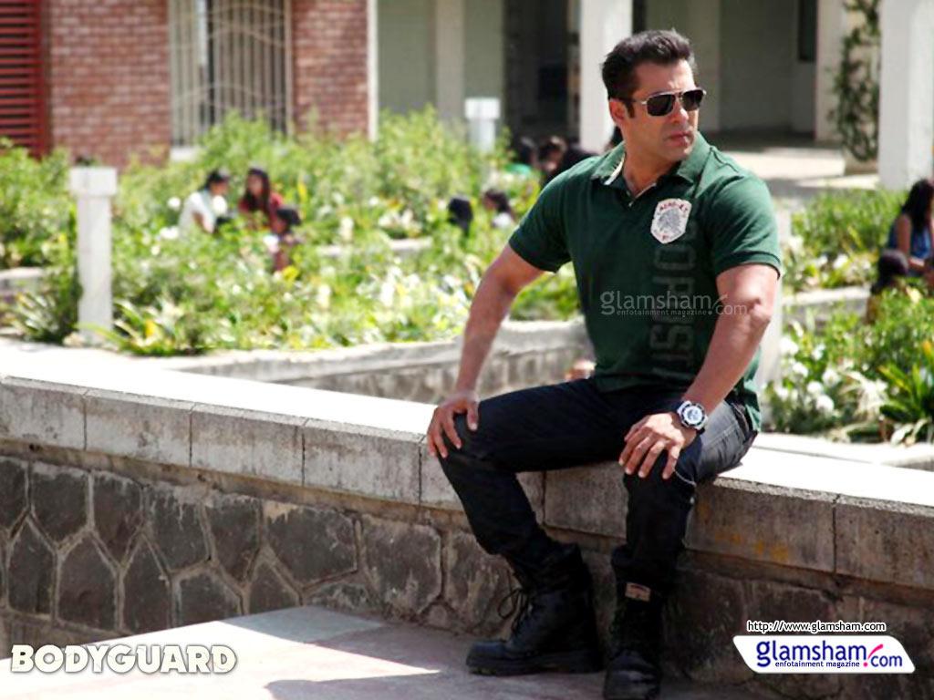 http://3.bp.blogspot.com/-ltGGnpSpPG0/T6vuJgK1qwI/AAAAAAAABo8/140iH9LZl2A/s1600/salman-khan-wallpaper-bodyguard.jpg