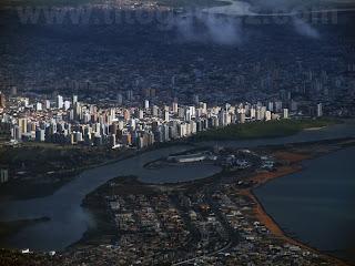 Vista aérea dos bairros Coroa do Meio e Treze de Julho, em Aracaju - Sergipe