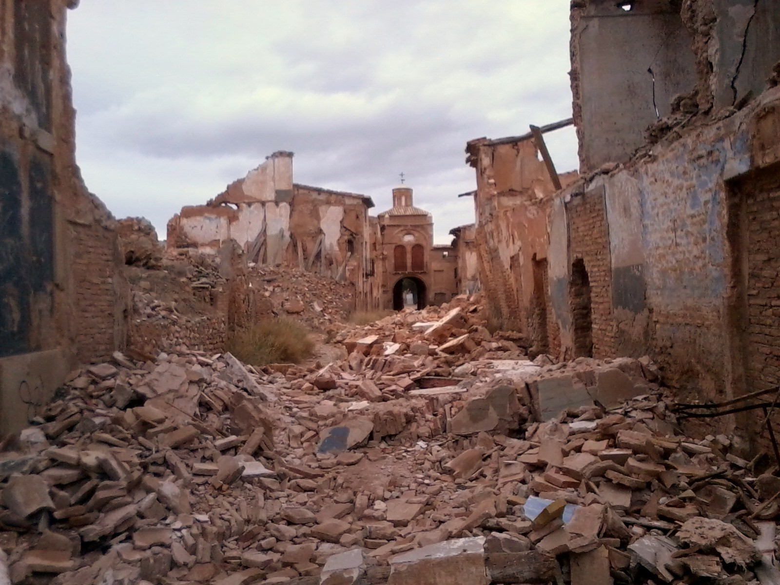 Beautiful Belchite Cuarto Milenio Pictures - Casas: Ideas & diseños ...