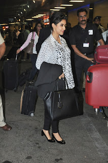 Asin, Shahrukh Khan Leaving for TOIFA Awards 2013