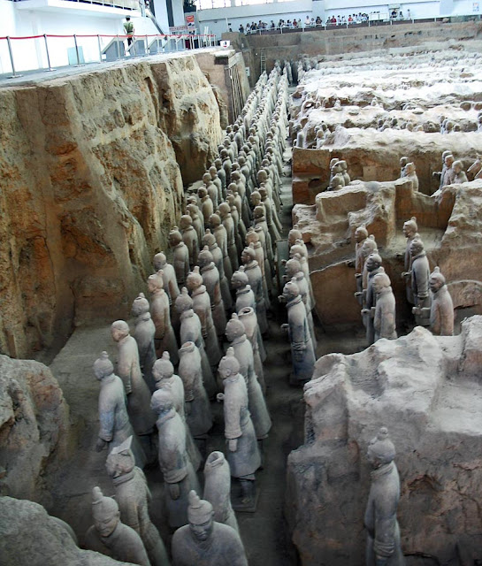 terracotta warriors side view