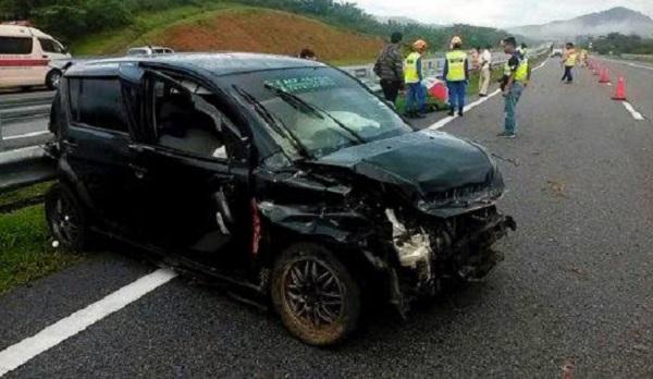 Perodua Myvi Kemalangan di LPT2