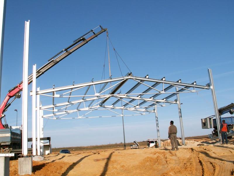 Foto de estructura metalica galvanizada movida por grua - Fotos estructuras metalicas ...
