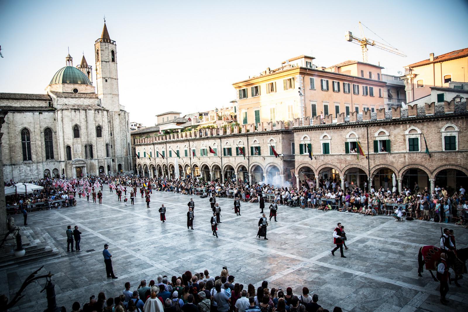 Culture & Trend , Ascoli Piceno , Fashion Blogger Italia , Pink Trotters