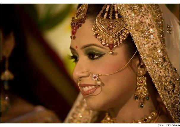 Bengali Bangladeshi Bridal Fashion Clothes Pics Collection
