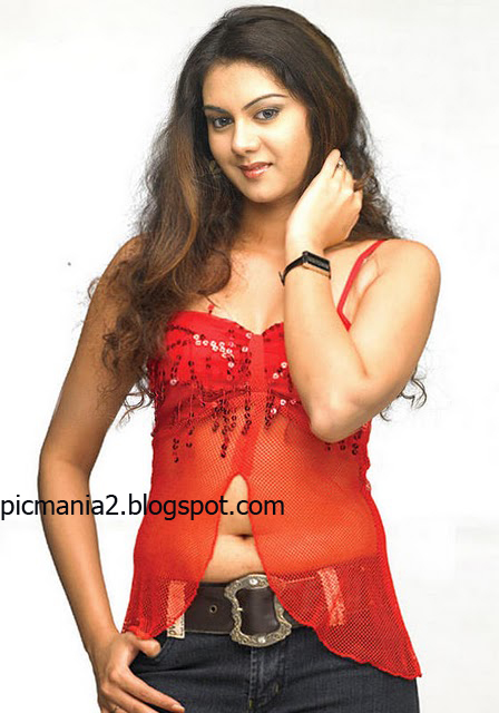 south indian hot actress Kamna Jethmalani hot sexy exposing boomb cleavage image gallery