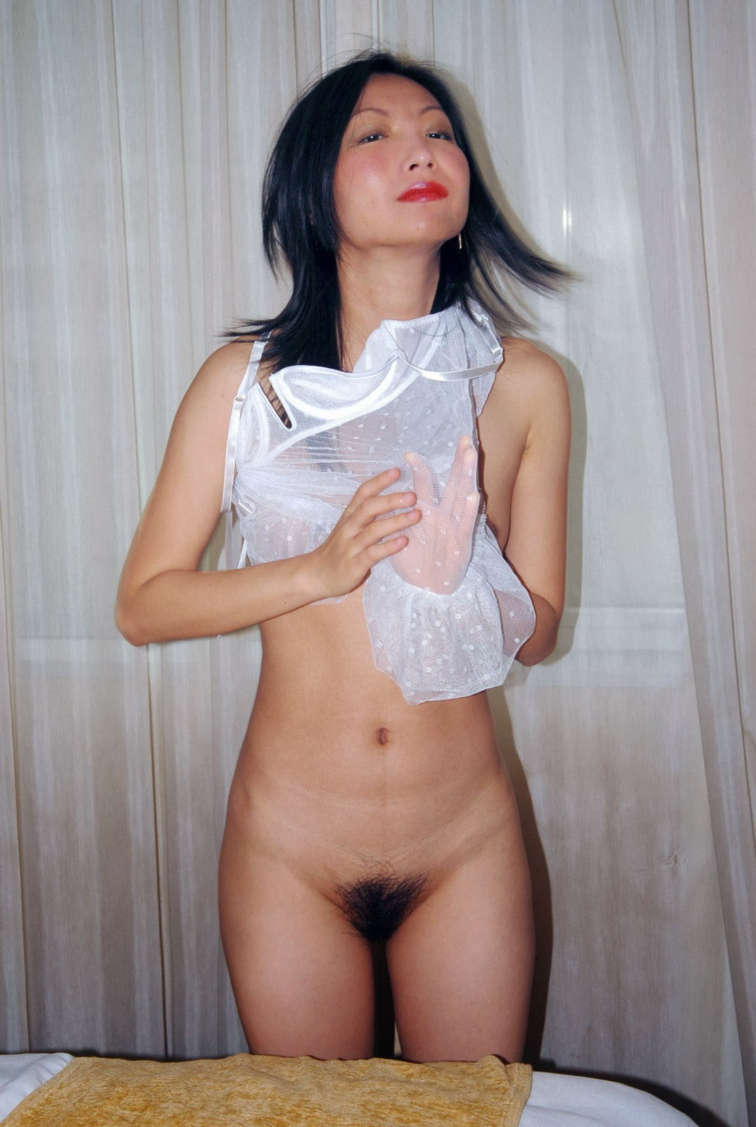 Hairy Taiwanese Model Girl Nude Leaked Scandal Photos 2014