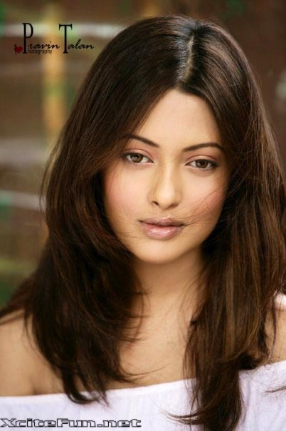 riya sen wallpapers. Riya Sen Hot Sexy Pictures - 4