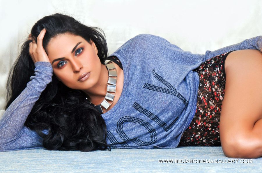 Stani Actress Veena Malik Hot Photos Which Are Take In India Tour