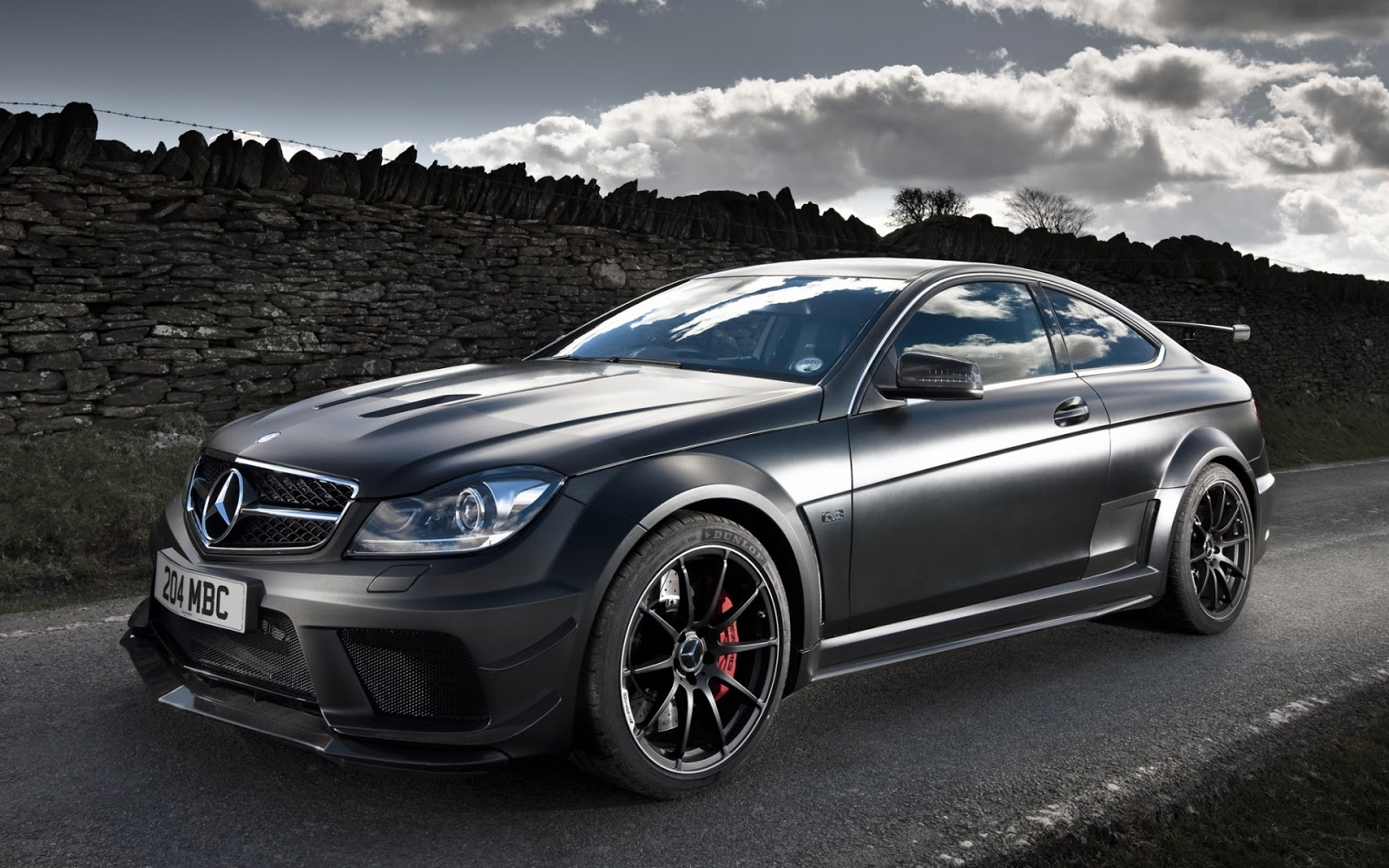 Mercedes benz c63 hd wallpapers for The latest mercedes benz