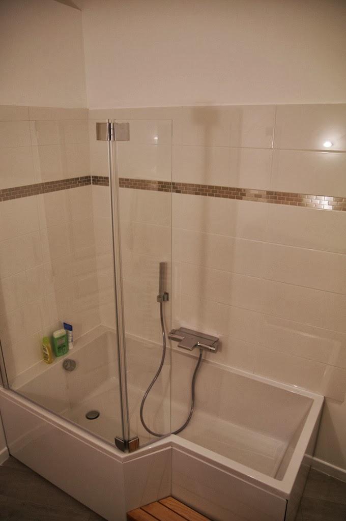 notre maison en cours de r novation salle de bain part iv. Black Bedroom Furniture Sets. Home Design Ideas