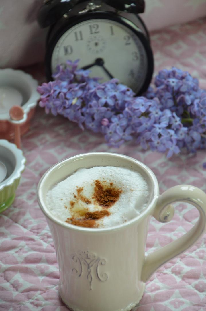 felix traumland kaffeeklatsch bei regina kaffee oder tee 3. Black Bedroom Furniture Sets. Home Design Ideas