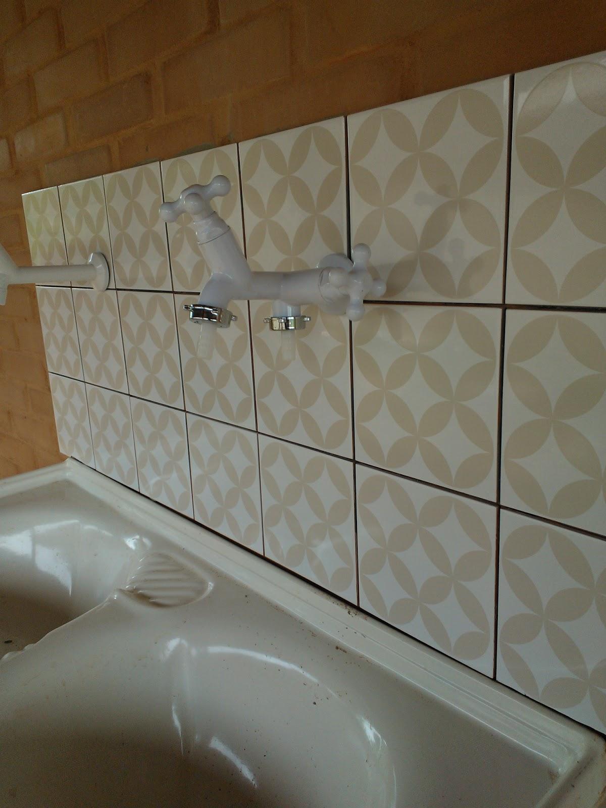 Lavar Azulejo Banheiro : Feita de bem e o m?s quase acabando