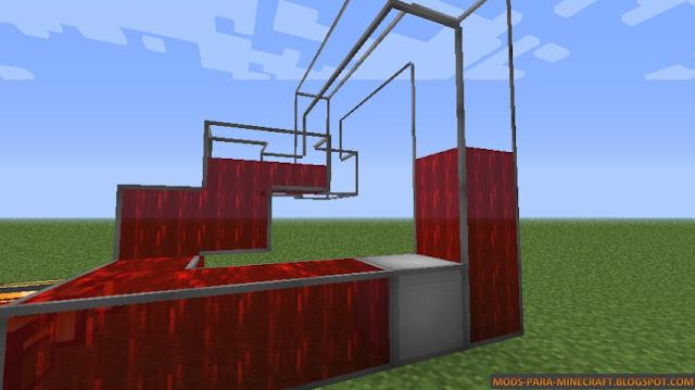 Una gran estructura de almacenamiento de liquidos Dynamic Tanks Mod para Minecraft 1.7.10