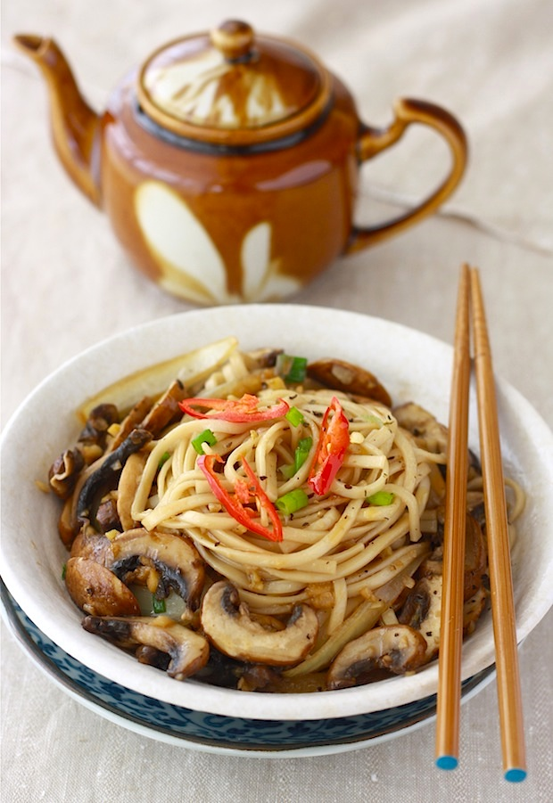 Ramen Noodles with Sautéed Mushrooms by SeasonWithSpice.com